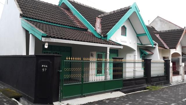 Rumah Kontrakan Magowuharjo, Rumah Keluarga 3 Kamar Tidur. (RUMAH TERISI)