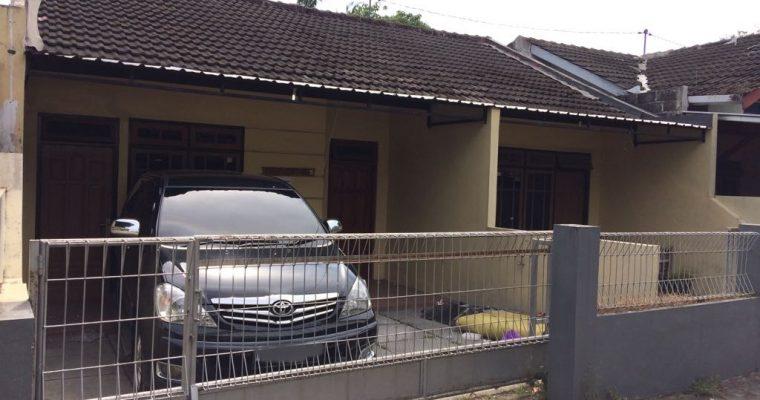 Rumah Kontrakan Godean I, Rumah Keluarga, 2 Kamar / 3 Kamar. Ruang Keluarga, Dapur, Garasi mobil, Air Sumur ( RUMAH SUDAH TERISI )